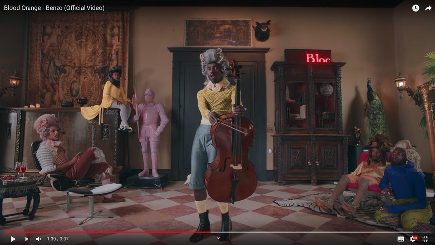 "Blood Orange dans son nouveau clip ""Benzo""."
