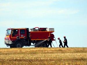 Les pompiers ont sécurisé le site après avoir éteint l'incendie.
