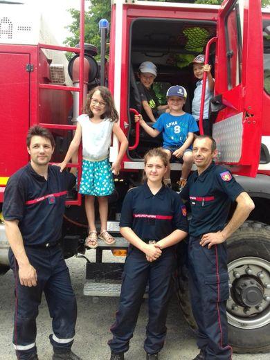 Les écoliers de Sainte-Marie ont rendu visite aux sapeurs-pompiers