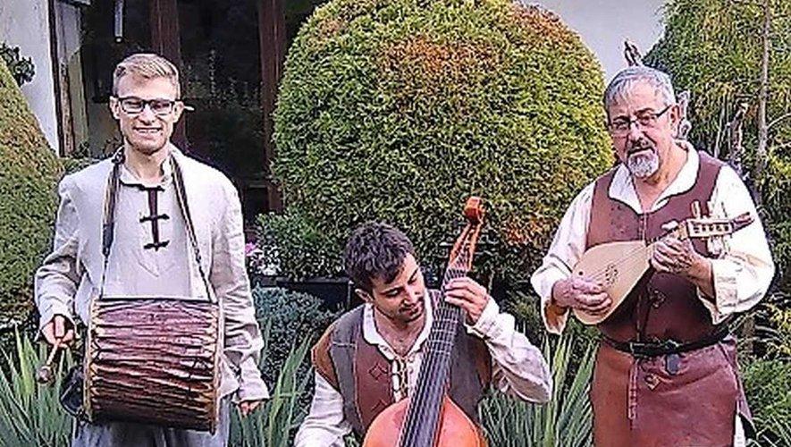 L'ensemble Rocal Fuza et ses instruments anciens.