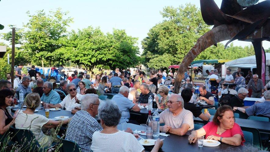 Ce marché gourmand organisé par Casiopé et la mairie respirait déjà l'été.