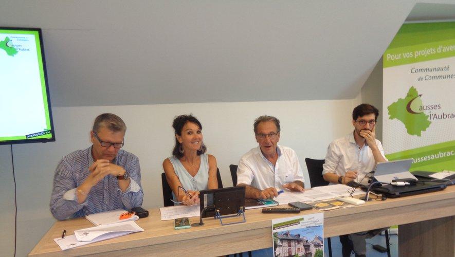 De gauche à droite : Philippe Schaab, Georgette Lacoste, Jean-Paul Peyrac, Florian Maurel.