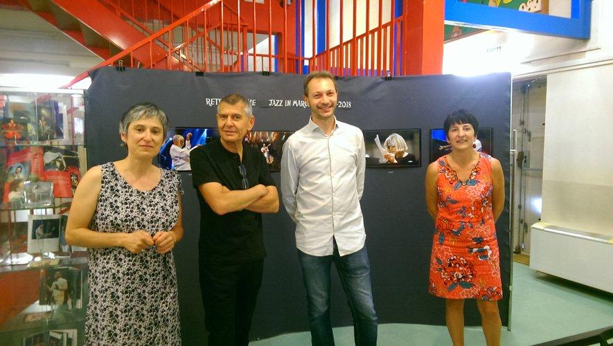 Isabelle Labat-Castaing (responsable du secteur sonore de la médiathèque), Francis Vernhet, Laurent Tranier et Aline Soave responsable de la médiathèque./Photo FEG.