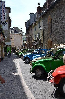 8e rassemblement de 2 CV et méharis, 15 h ce dimanche à Saint-Géniez d'Olt et d'Aubrac.