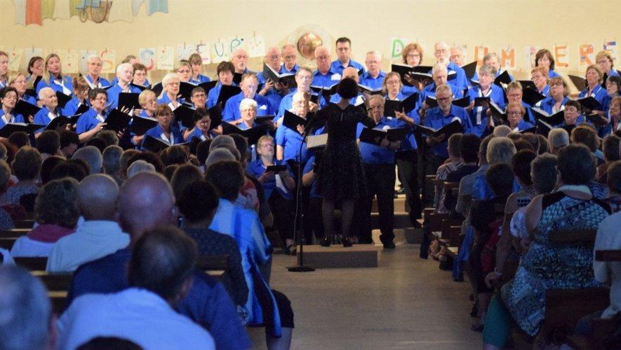 Une soirée éblouissante aux voix des 60 choristes.