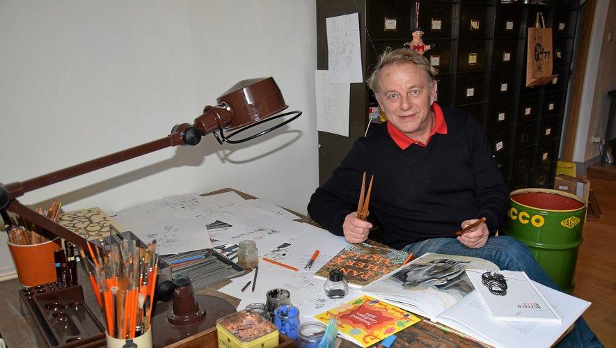 Si ses projets le mènent souvent loin de l'Aveyron, Olivier Douzou aime à retrouver son atelier ruthénois. RDS