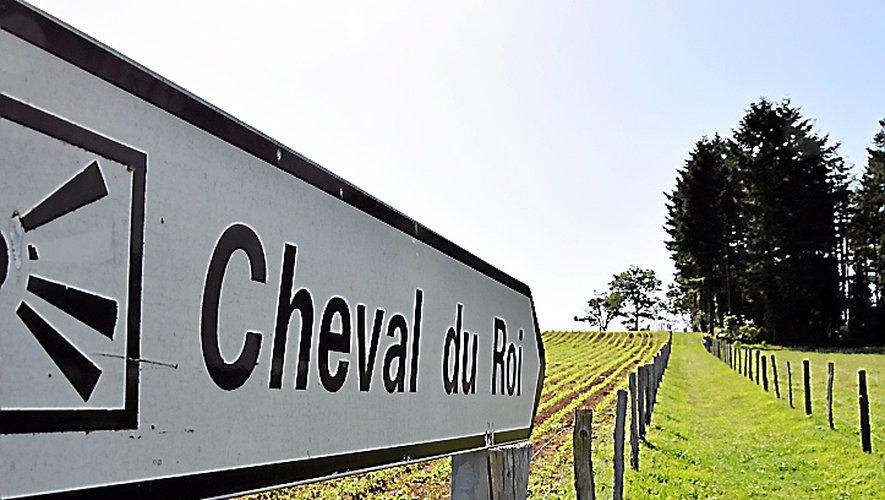 La mairie de Lescure-Jaoul a acheté le terrain du site, jusque-là privé, et, également, une bande de terre pour créer un chemin d'une centaine de mètres pour s'y rendre.