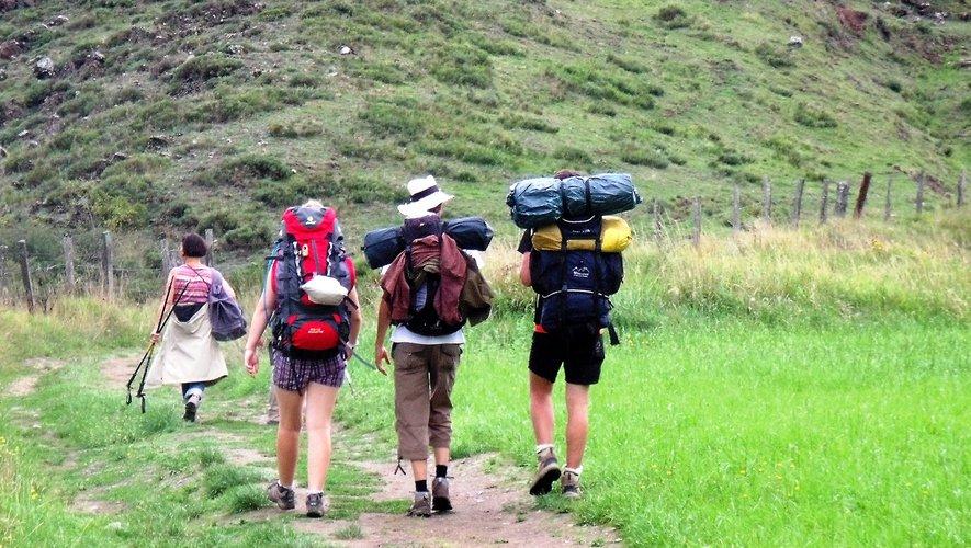 En quelques minutes on passe des paysages urbains, nés de l'industrie, aux chemins de randonnée et à la souriante vallée du Lot.