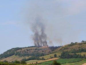 Le feu s'est déclaré dans une zone difficile d'accès.