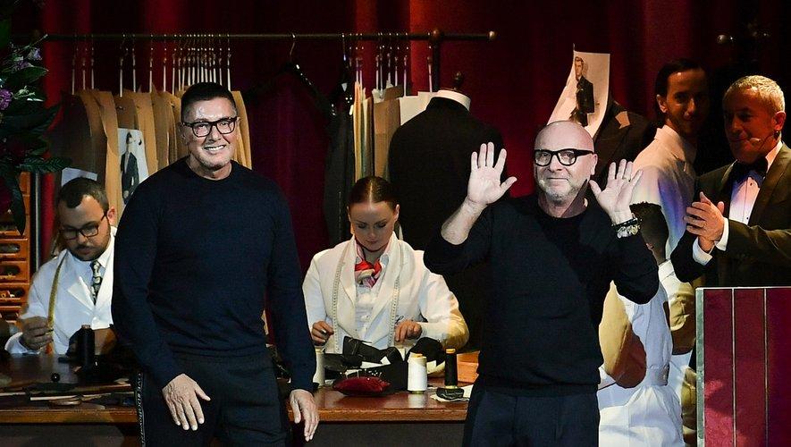 La luxueuse villa du duo de stylistes Domenico Dolce (à droite) et Stefano Gabbana est à vendre sur l'île Stromboli, au large de la Sicile.