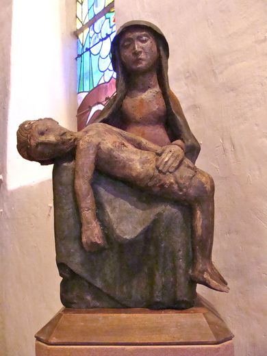 Vierge de piété en l'église de Mousset
