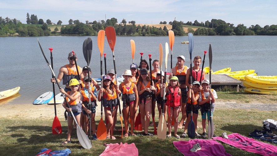 Sport, trempette et rigolade  avec l'initiation au paddle.