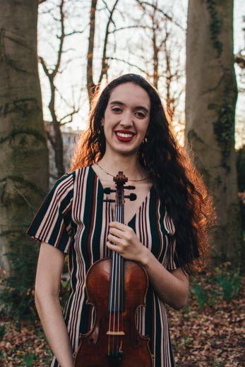 Maria Alejandra Jimenez, violon.