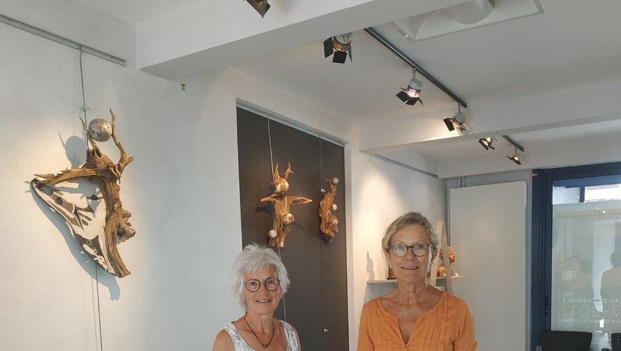 Michèle Lazier et Agnès Cotterlaz, deux des exposantes.