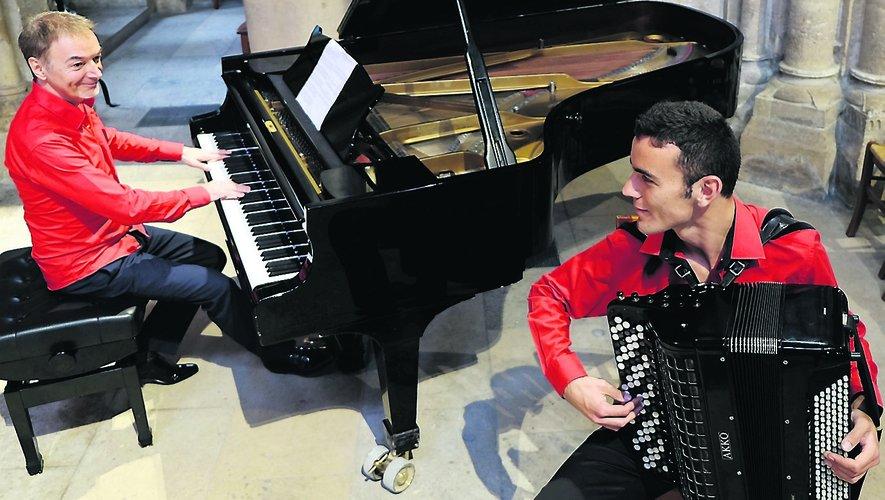 Philippe Alègre au piano et Thomas Chedal à l'accordéon.