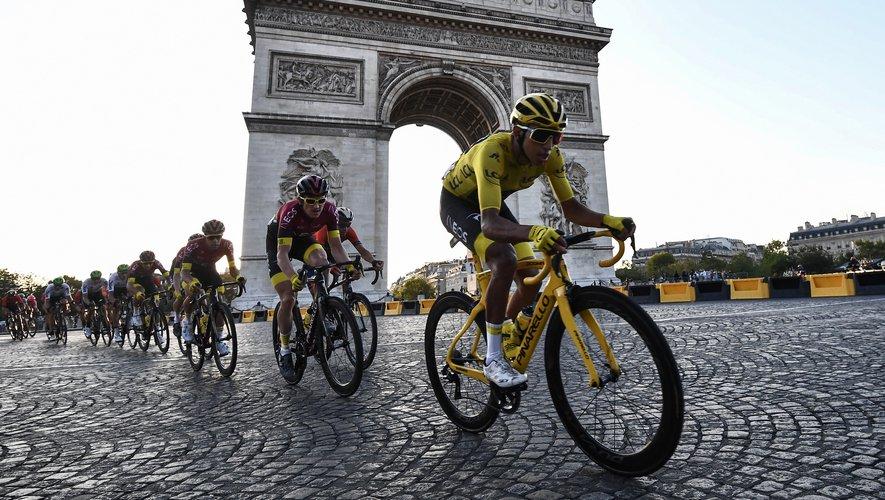 Près de 5,7 millions de téléspectateurs ont regardé dimanche soir la fin du Tour de France et la victoire du Colombien Egan Bernal sur France 2