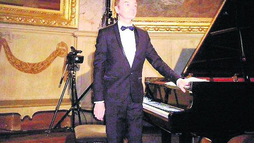 Le directeur artistique va céder le pas au concertiste.