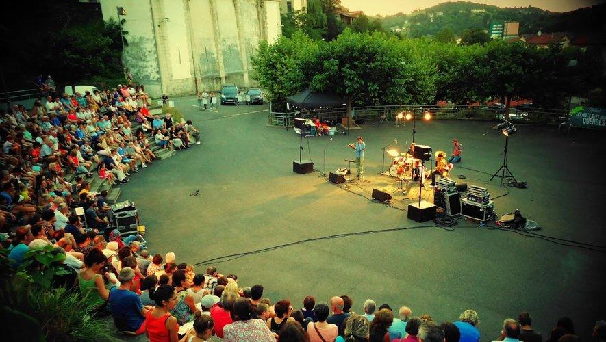 Ce jeudi, c'est le Quintet Bumbac que Les Nuits & les Jours de Querbesont choisi de partager avec le public decazevillois.
