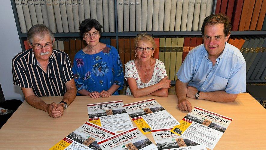Gilbert Regourd, Monique Dugué-Boyer, Ginette Guibert et Jean-Pierre Azéma sontles chevilles ouvrières dela Photothèque rouergate.