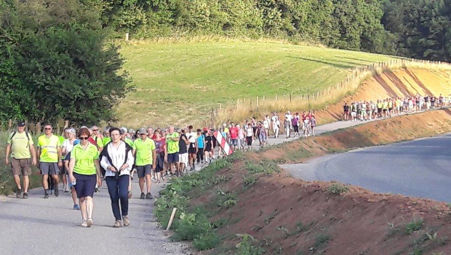 Près de 300 marcheurs ont emprunté cette voie douce lors de l'inauguration.