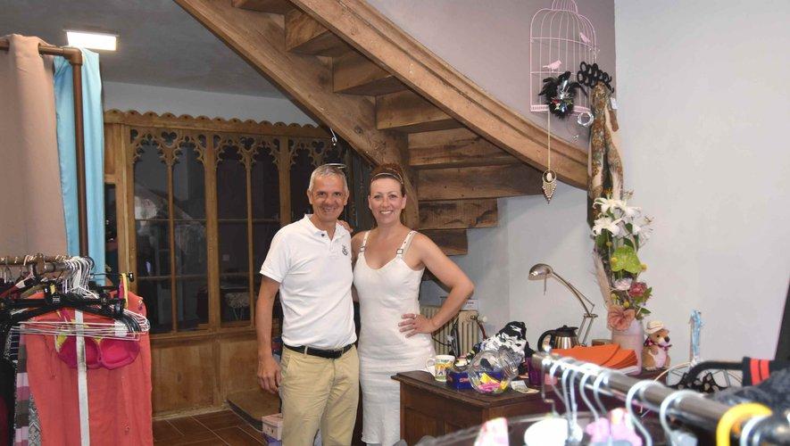 Nathalie Élbé et le maire Marc Bories à l'ouverture du grenier de Suzanne.
