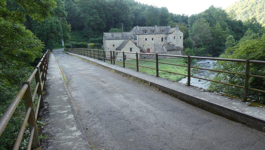 Le pont d'Ayssens.