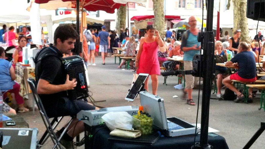 L'accordéon de Guillaume Fric plaît beaucoup au public