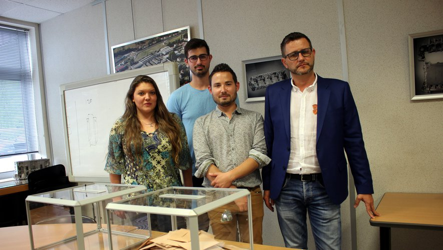 Marie Leroy (coordinatrice RH), Loïc Ranson (assistant gestionnaire paye), Yohan Laussel (chargé RH) et Stéphane Muccioli (directeur du site)./Photo DDM BHSP.