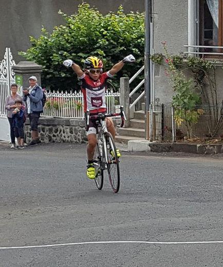 Encore une belle et jolie victoire pour Martin Cazelles dans le Cantal