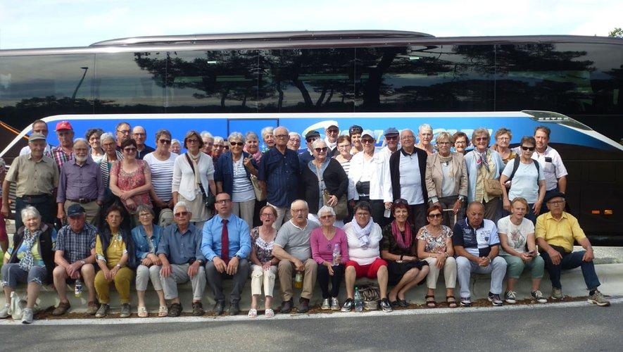 Cinquante voyageurs émerveillés.
