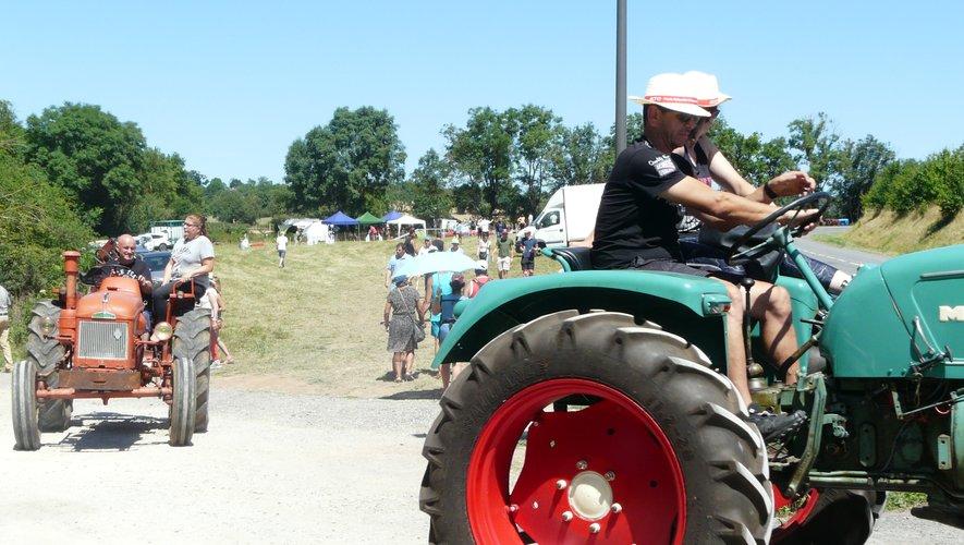 Exposition et balade en vieux tracteurs que du bonheur