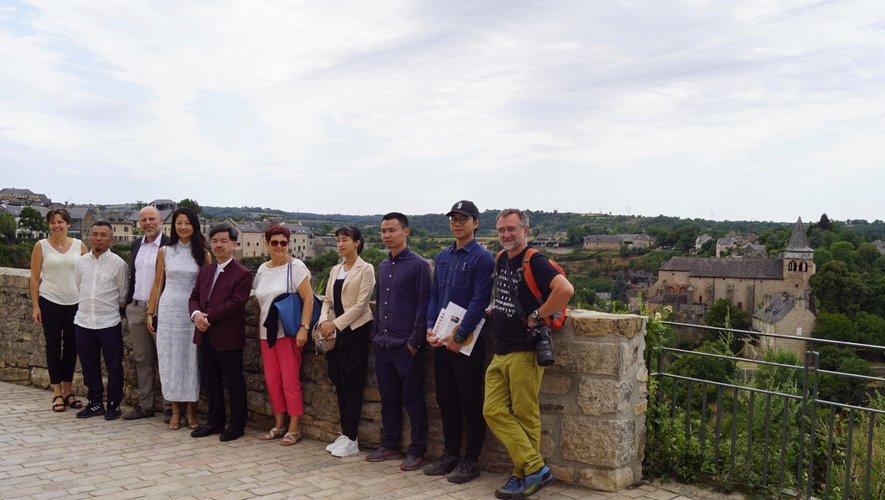 La délégation des artistes chinois a été accueillie par Nathalie Ribéra et M.-P Manson.