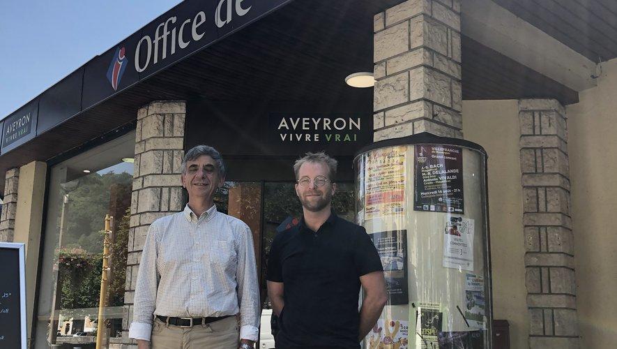 Le maire Serge Roques et Gabriel Fablet, de l'office de tourisme.