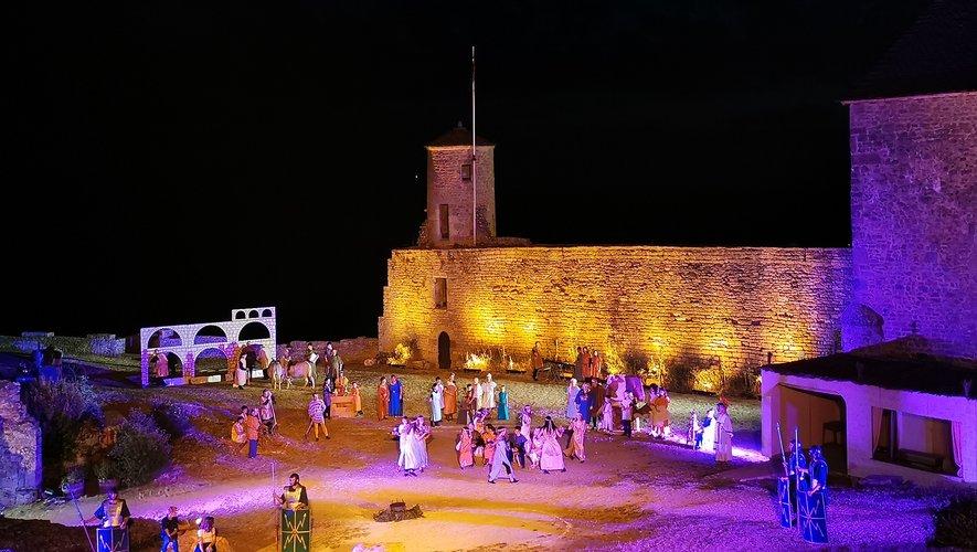 Les lumières ont mis en valeur  figurants,  costume , décors comme le château lui -même