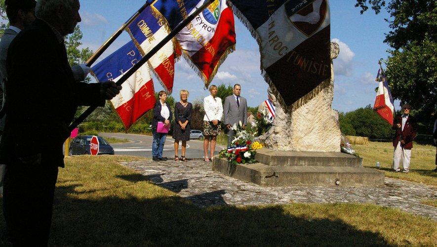 De nombreux élus, dont Mme la députée Anne Blanc, étaient présents pour cette cérémonie.