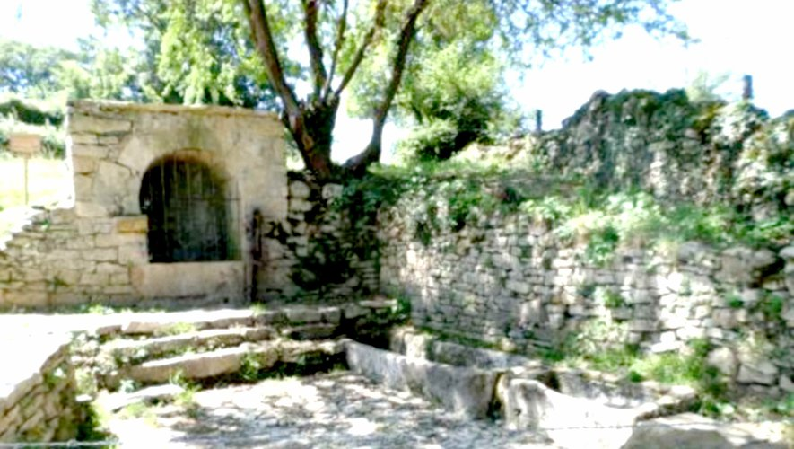 La fontaine de Malescombes rénovée par  l'association Fours Croix et Fontaines