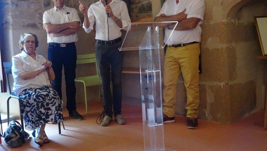 En présence de Manou Viala, les élus ont rendu hommage à l'oeuvre de l'artiste et au travail des bénévoles