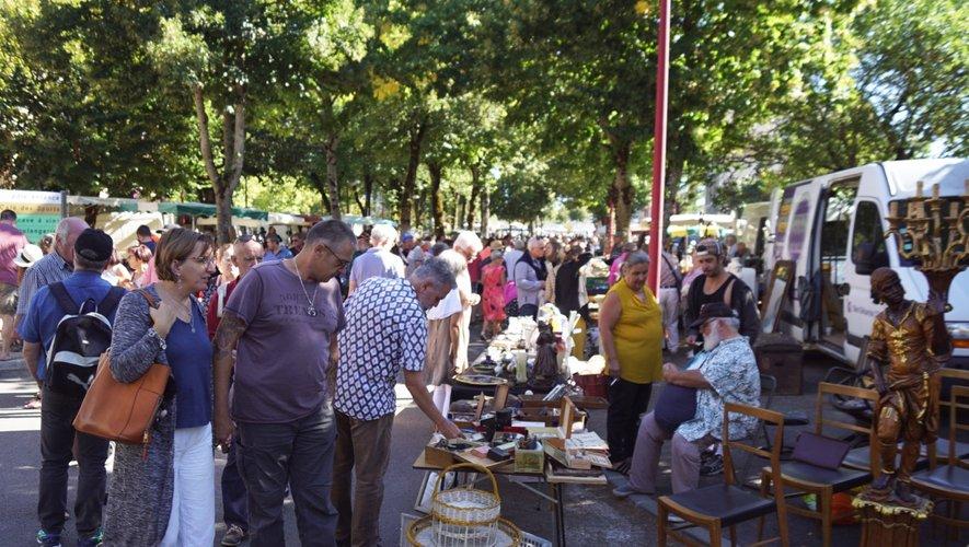 Les chineurs se déplacent en nombre pour cette manifestation.