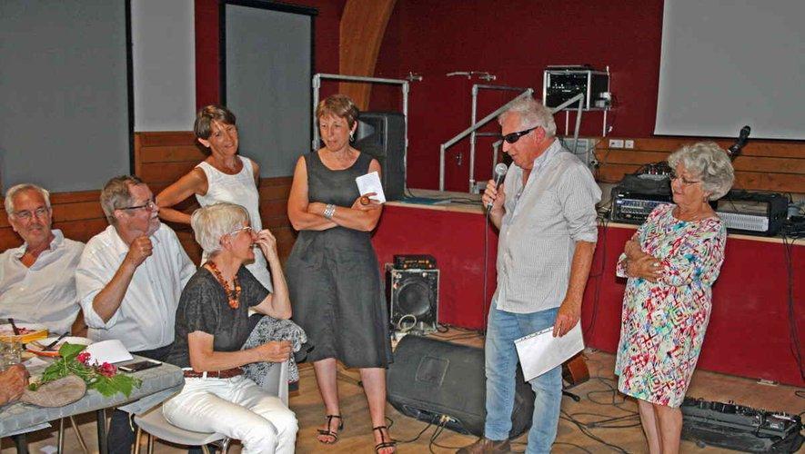 Le maire remercie Lisbet et Nielsde leur fidélité.