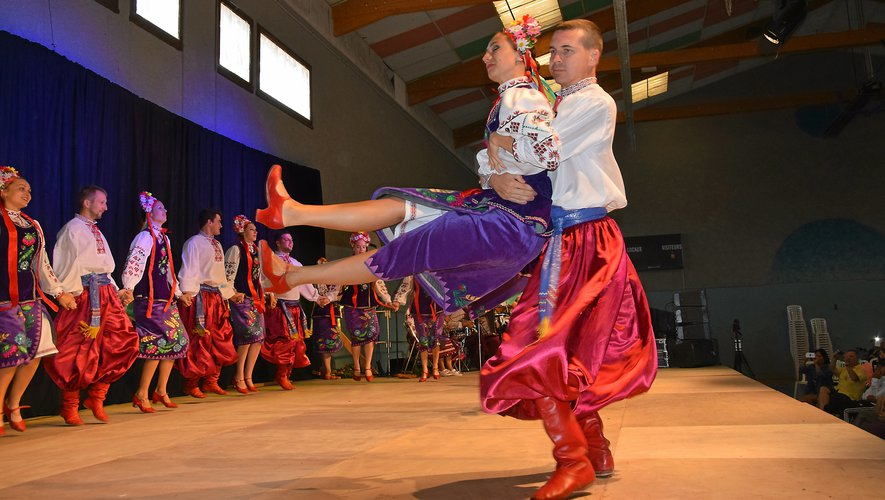 Les danseurs de l'Ukraine s'en sont donné à cœur joie.