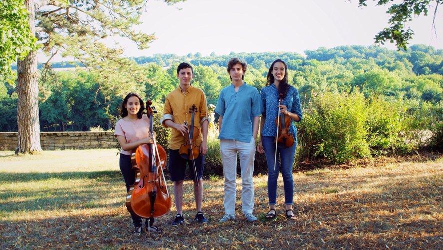 Au concert de Pruines : Sol, violoncelliste, Gianfranco et Maria Alejandra, violonistes