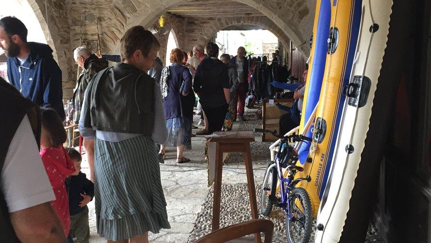 Le temps de chiner sous les arcades de la célèbre bastide.