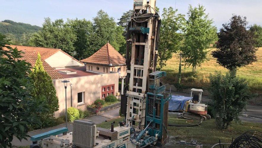 Placement d'une pompe à chaleur avec forages, 140 mètres de profondeur.