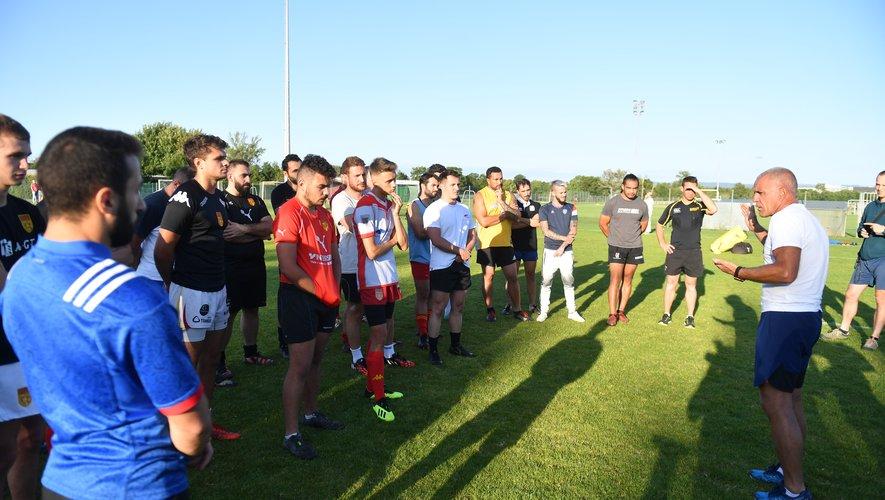 L'entraîneur Jérôme Broseta a dirigé la première séance du Rodez rugby, mardi 13 août.