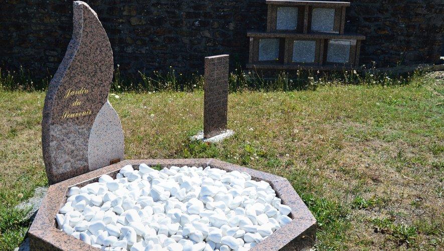 Le jardin du souvenir et le columbarium
