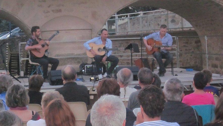 les Fontaines, un bel écrin, pour trois guitares qui brillent !