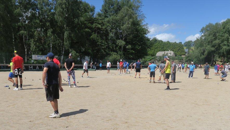 Soixante équipes au concours de pétanque organisé par le club de football