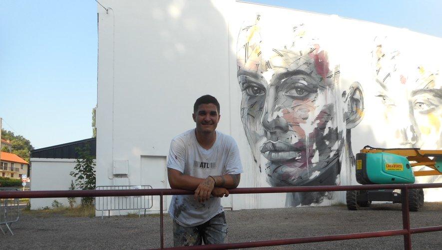 Hopare a réalisé son oeuvre lors de la 2e session du festival « Mur Murs ».