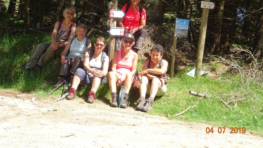 Les randonneurs au col de Bonnecombe