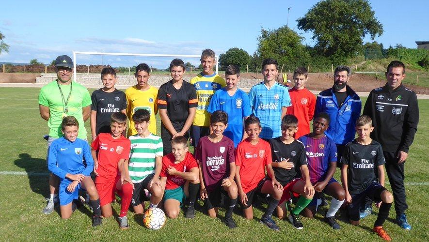 Les U15 et les éducateurs lorsdu premier entraînement de la saison.